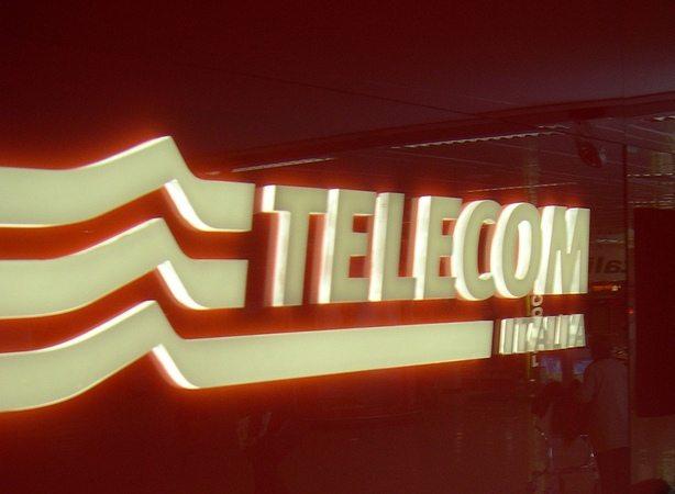 investire su azioni telecom